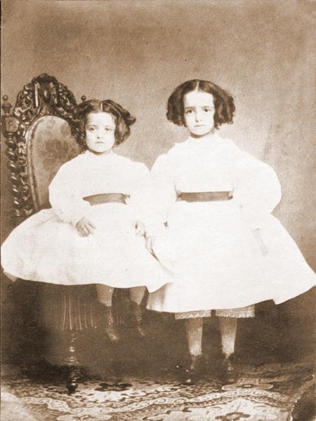 Pauline et Marie Martin