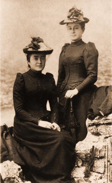 Céline et Marie G. 1893