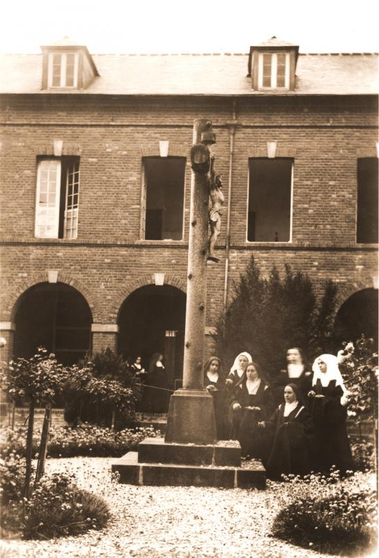 Photo 44 - Saint Therese of Lisieux